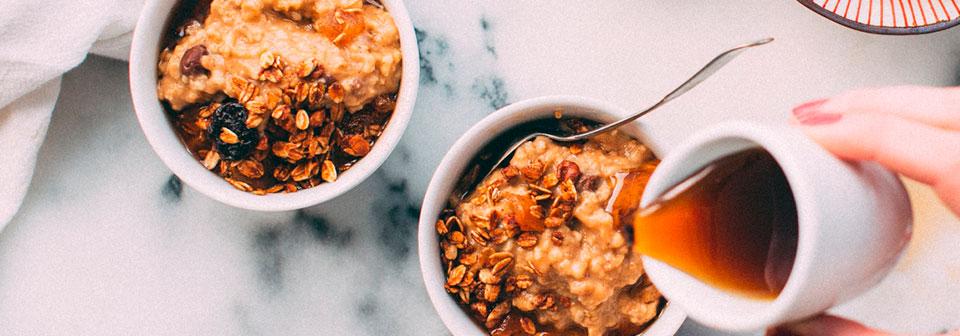 Vanilla Overnight Oats Breakfast Bowl